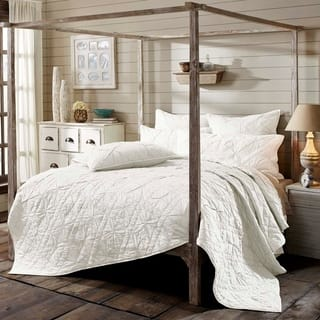 Aubree Quilt King Size in Fog (As Is Item)|https://ak1.ostkcdn.com/images/products/18128056/P91027218.jpg?impolicy=medium