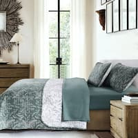 Winter Brush Lightweight Reversible Quilt and Sham Set