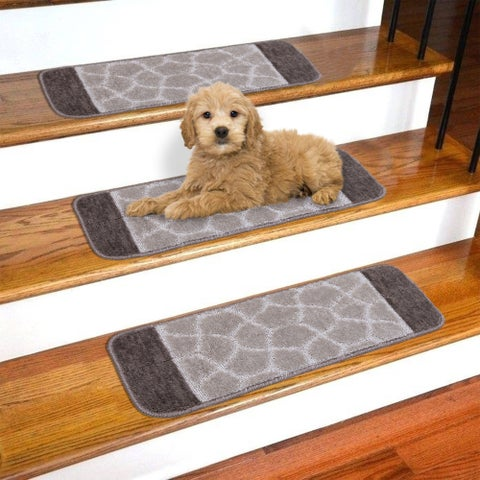 """Softy Carved Bi-color Design Non-Slip Stair Treads (Set of 7) - 9"""" x 26"""""""