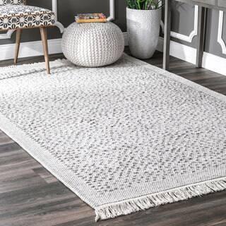 nuLoom Casual Handmade Textured Stubbles Ivory Cotton/Fabric Indoor Rectangular Tassel Rug (5' x 8')|https://ak1.ostkcdn.com/images/products/18145537/P24296261.jpg?impolicy=medium