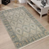 Hand-Knotted Ariel Gray Traditional Area Rug, (6' x 9') - 6' x 9'