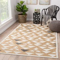 Juniper Home Rouvin Beige and White Geometric Indoor/ Outdoor Area Rug (5' x 7'5)