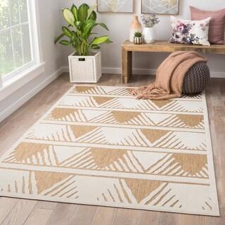 "Makenna Indoor/ Outdoor Geometric Beige/ White Area Rug - 5' X 7'6"""