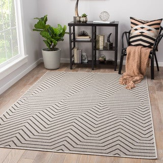 Clarion Indoor/ Outdoor Geometric Light Gray/ Black Area Rug (2' X 3')