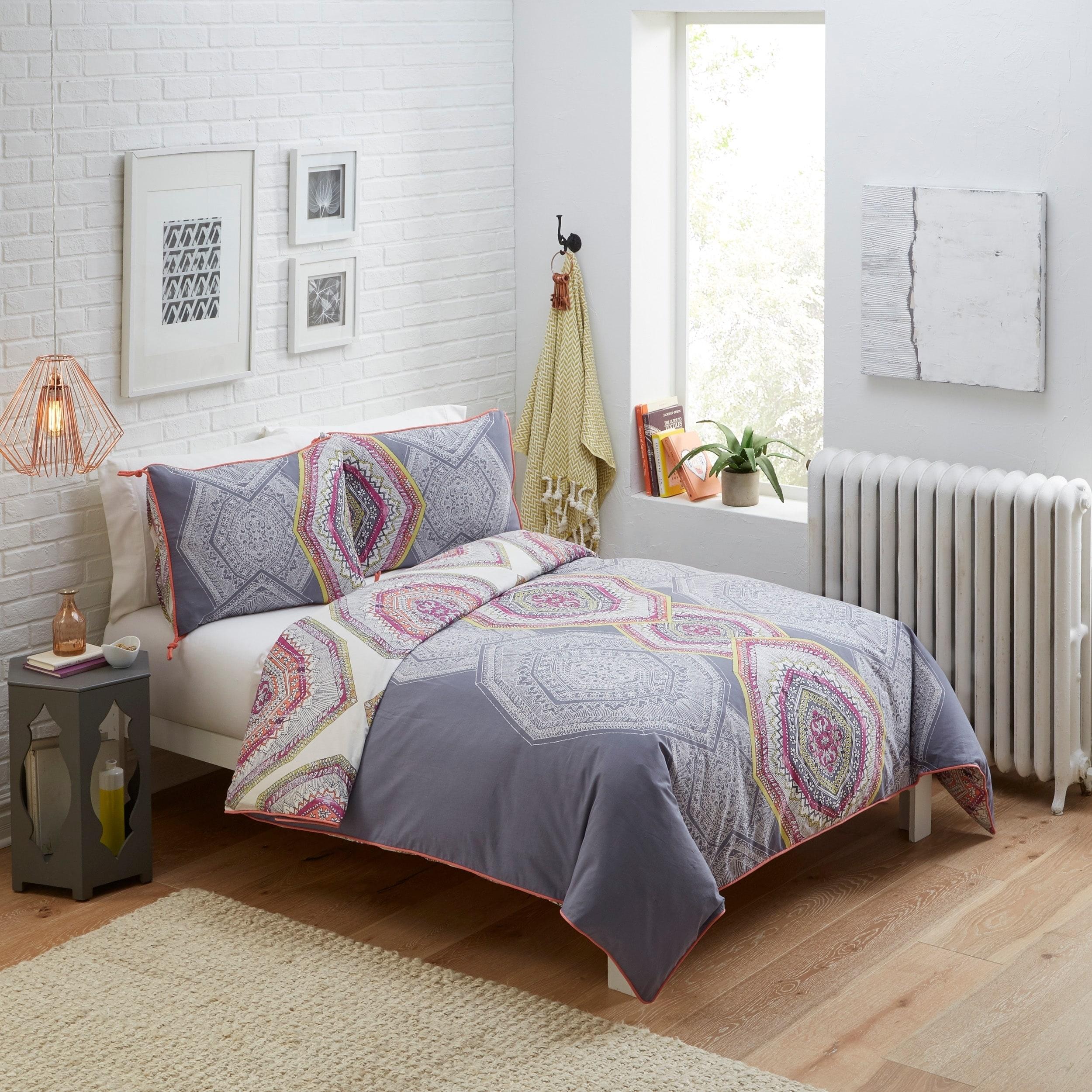 Boho Boutique New Moon 3 Piece Reversible Comforter Set (...