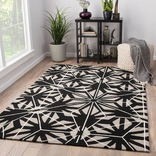 Saison Indoor/ Outdoor Geometric Black/ Gray Area Rug (2' X 3')