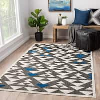 Juniper Home Rouvin Grey/ White Indoor/ Outdoor Geometric Area Rug (7'6 x  10')