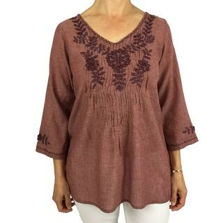 Handmade cotton blouse with floral hand-embroidered details. Produced by traditional artisans in Oaxaca, Mexico. Fairly traded. (Option: S)|https://ak1.ostkcdn.com/images/products/18212759/P24355309.jpg?impolicy=medium