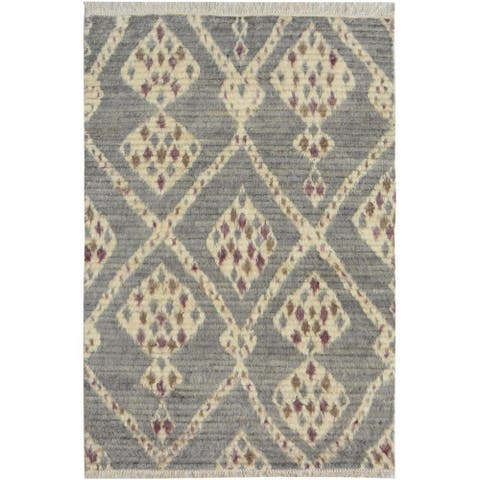 Moroccan Arya Connie Gray/Ivory Wool Rug (3'11 x 6'0) - 3 ft. 11 in. x 6 ft. 0 in. - 3 ft. 11 in. x 6 ft. 0 in.