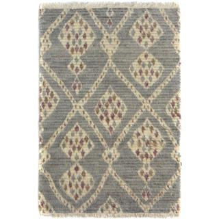 Arshs Moroccan Arya Quintin Gray/Ivory Wool Rug (3'10 x 6'1) - 3 ft. 10 in. x 6 ft. 1 in.