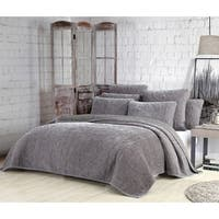 Estate Joanna 3-piece Velvet Quilt Set