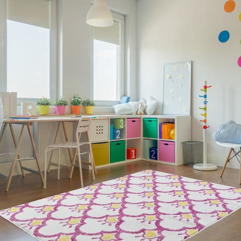 LR Home Whimsical Shining Scales Cream / Pink Kids Area Rug ( 5' x 7' ) - 5' x 7'