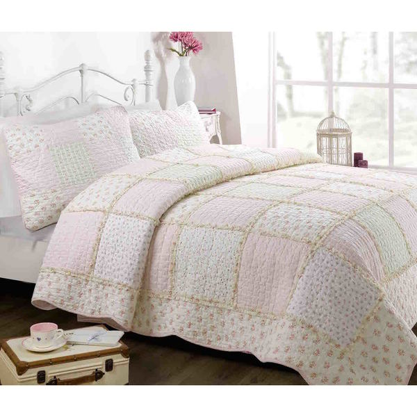 Light Peach Floral Patchwork Quilt Set