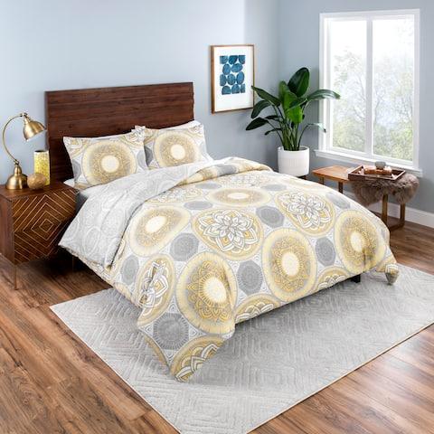 Vue Gwenn 3-Piece Reversible Comforter Set