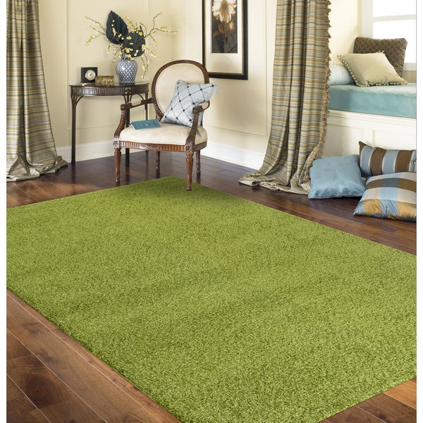 Porch & Den Marigny Kerlerec Solid Green Indoor Shag Area Rug - 8' x 10'