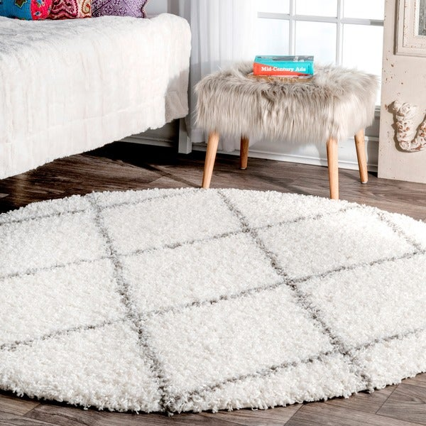 Porch & Den Williamsburg Havemeyer Moroccan Lattice Shag White Area Rug - 5'3 Round