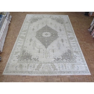Hand Knotted Ivory Oushak with Wool Oriental Rug