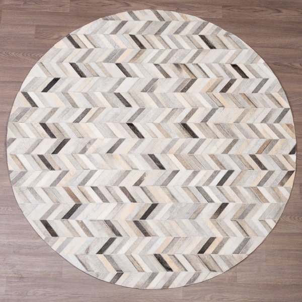 Hand-stitched Grey Chevron Cow Hide Leather Round Rug