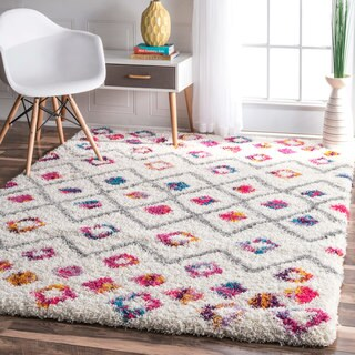 The Curated Nomad Ashbury Bohemian Moroccan Diamond Shag Area Rug - 3'3 x 5'