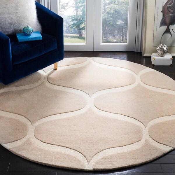 Safavieh Handmade Cambridge Light Beige/ Ivory Wool Rug - 6' Round