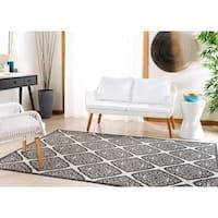 Safavieh Linden Light Grey/ Charcoal Rug - 6'7 Square