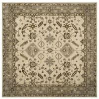Safavieh Handmade Royalty Cream/ Light Grey Wool Rug - 7' x 7' Square