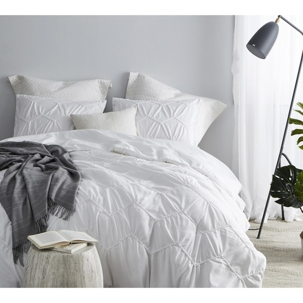 Byb Textured Waves Comforter Supersoft White