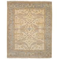 eCarpetGallery Hand-Knotted Royal Ushak Ivory  Wool Rug (8'0 x 10'3)