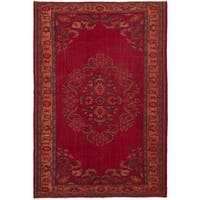 eCarpetGallery Hand-Knotted Melis Vintage Red  Wool Rug (6'9 x 10'2)