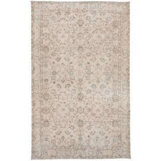 eCarpetGallery Hand-Knotted Antalya Vintage Ivory Wool Rug (5'6 x 9'2)