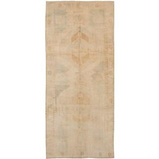 eCarpetGallery Hand-Knotted Antalya Vintage Ivory Wool Rug (5'0 x 11'10)