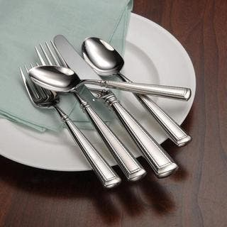 Oneida Couplet Fine Stainless Steel 20-Pc Flatware Set Service for 4|https://ak1.ostkcdn.com/images/products/18595032/P24695779.jpg?impolicy=medium
