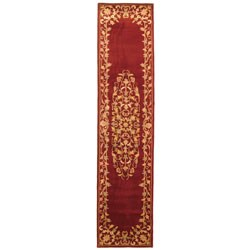 Safavieh Handmade Heritage Timeless Traditional Red Wool Runner (2'3 x 12')