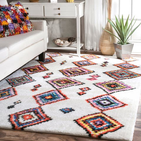 nuLOOM Multicolor Transitional Moroccan-Inspired Diamond Pattern Area Rug