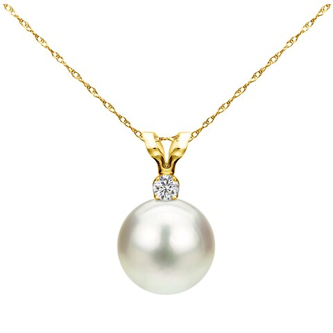 DaVonna 14k Yellow Gold 8-8.5 mm Freshwater Pearl .01 CTTW Diamond Chain Pendant Necklace 18 inch
