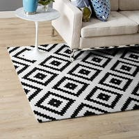 Alika Abstract Diamond Trellis Area Rug - 8' x 10'
