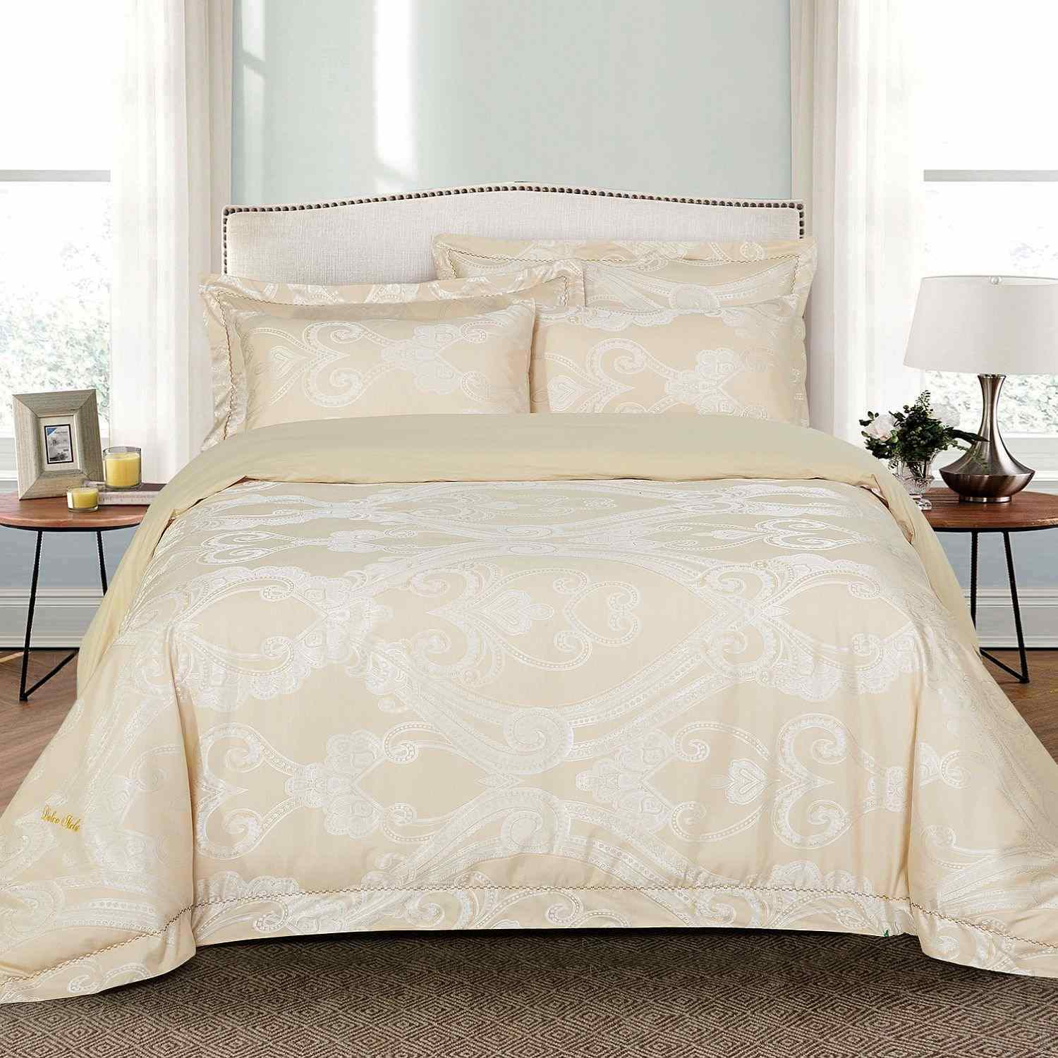 Jacquard Traditional 6-piece Duvet Cover Set by Dolce Mel...