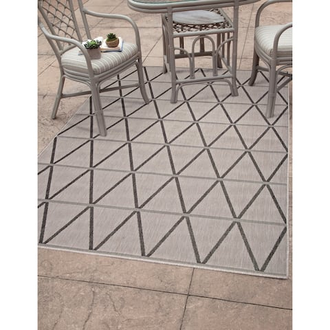"Lanai Charcoal/Grey Area Rug by Greyson Living - 7'9"" x 10'6"""