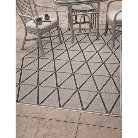 "Lanai Charcoal/Grey Area Rug by Greyson Living - 5'3"" x 7'9"""