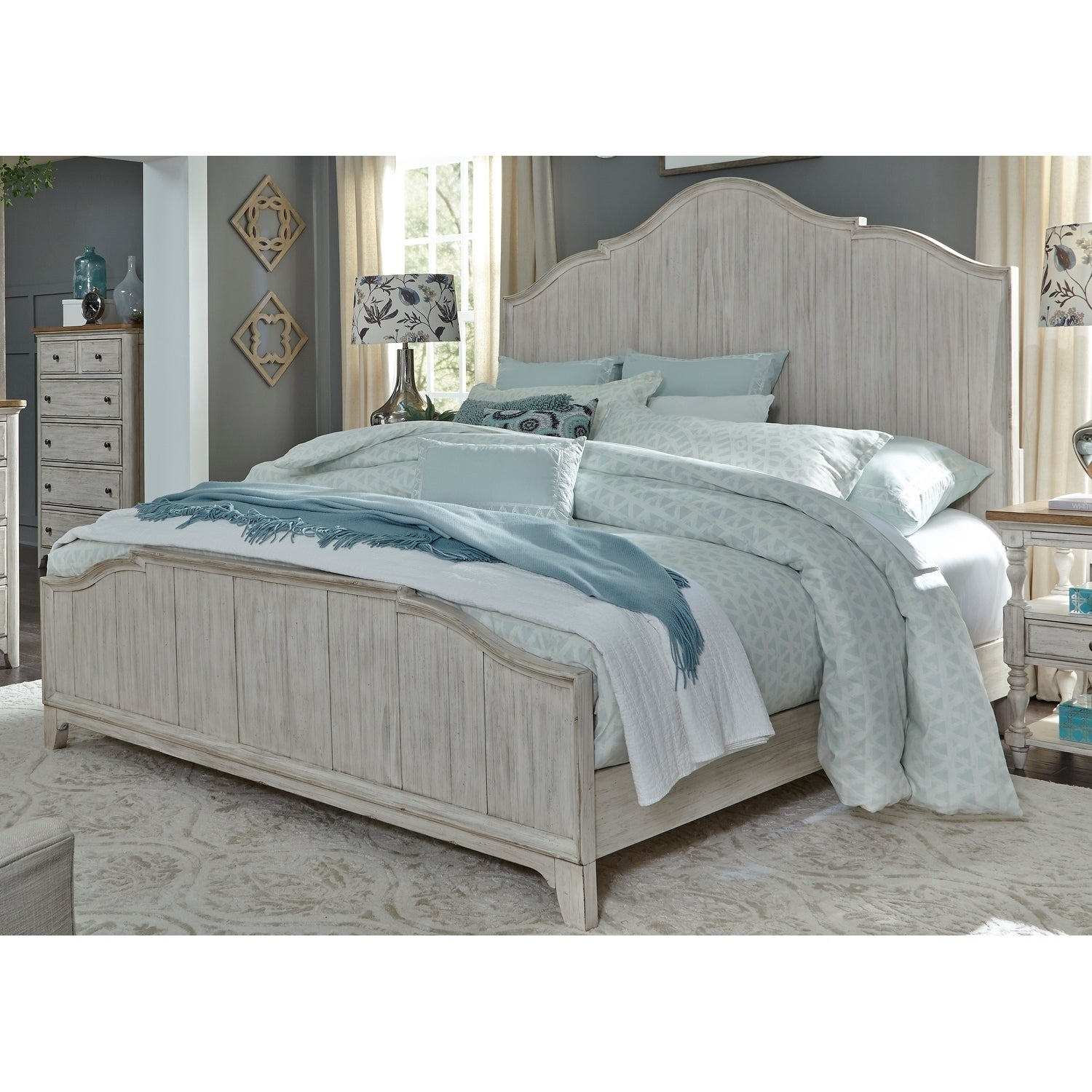 Farmhouse Reimagined Antique White Queen Panel Bed