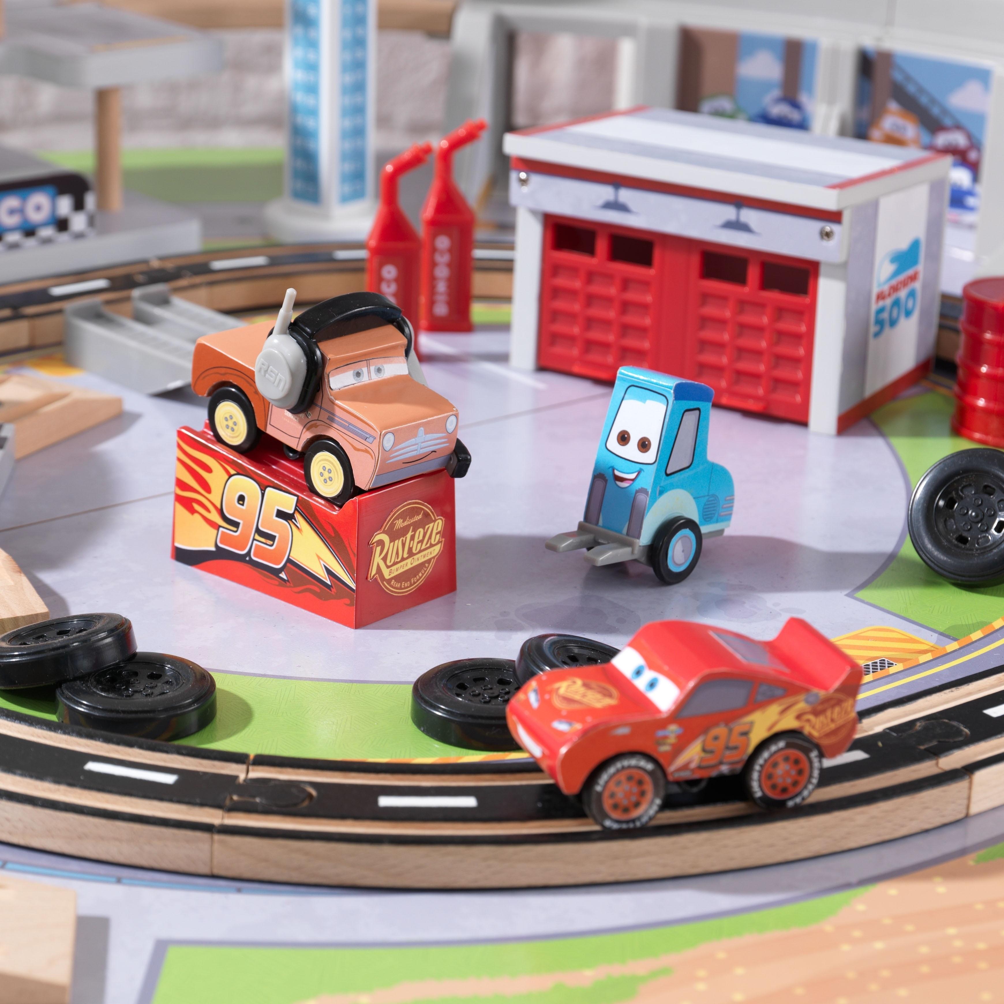 Kid Kraft DisneyΒ' Pixar Cars 3 Florida Racetrack Set & T...