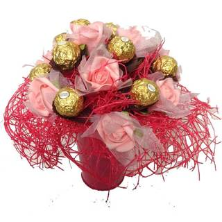 Pink Roses Ferrero Rocher Candy Bouquet