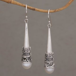 Handmade Sterling Silver 'Bali Crown' Cultured Pearl Earrings (8 mm) (Indonesia)