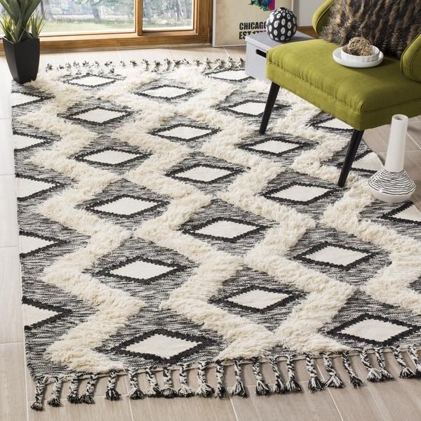 Black And White Tassel Rug: Shop Safavieh Hand-Knotted Kenya Black/ Ivory Wool Tassel
