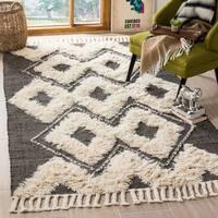 Safavieh Hand-Knotted Kenya Black/ Ivory Wool Tassel Area Rug - 9' x 12'