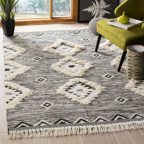 Safavieh Hand-Knotted Kenya Tribal Black/ Ivory Wool Rug - 9' x 12'