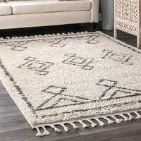 The Curated Nomad Prescott Moroccan Diamond Black/Off-white Shag Tassel Area Rug - 9'2 x 12'