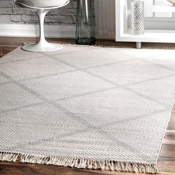 nuLOOM Ivory Diamond Trellis Wool Handmade Flat-woven Area Rug. Opens flyout.