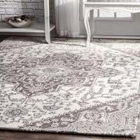 "The Gray Barn Wilkie Grey Wool Traditional Handmade Floral Medallion Rug - 7'6"" x 9'6"""