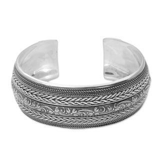 Handmade Sterling Silver 'Bali Leaves' Bracelet (Indonesia)